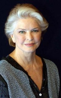 Ellen Burstyn. I never thought of her as a great beauty when she was young, but she certainly is one now. Age becomes her.