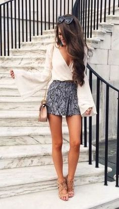 Love these patterned shorts paired with nude heels to create a super long legline. The sleeves make the arms look long and lean too! | petite fashion