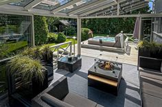 Katettu ja lasitettu terassi - kaunis ja käytännöllinen kesähuone