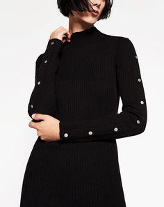 Midi dress with snap closures. Zara