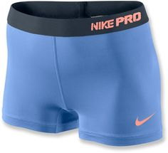 Support your muscles during the toughest trail running in the body-fitting Women's Nike Pro II Shorts.
