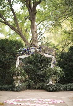 Love this outdoor wedding ceremony decor. See more from this romantic woodland wedding in Chattanooga by @imagopix! | The Pink Bride® www.thepinkbride.com