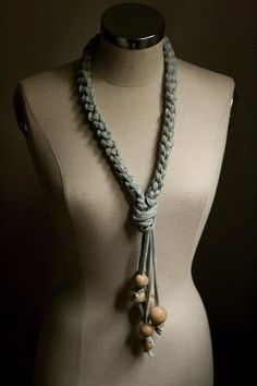 necklace probably wouldn't add the big wooden beads though buti do like the… Scarf Necklace, Fabric Necklace, Diy Necklace, Necklace Ideas, Textile Jewelry, Fabric Jewelry, Beaded Jewelry, Women's Jewelry, Diy Collier