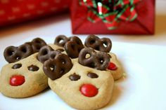 Reindeer Cookies... recipe is for peanut butter cookies but could do with sugar