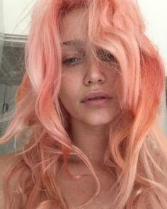 Theme Pfirsich Haarfarbe Ideen Women's Clothing - Today's Fashions Today's women Peach Hair Colors, Pink Peach Hair, Pastel Orange Hair, Coloured Hair, Dye My Hair, Pretty Hairstyles, Hair Trends, Her Hair, Hair Inspiration