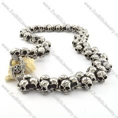Motorcycle Chain Link Skull Necklace Huge in Stainless Steel -n000202 Item No. : n000202 Market Price : US$ 376.60 Sales Price : US$ 37.66 Category : Biker Skull Necklaces