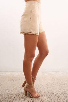 Addilyn Short Beige