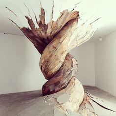 """""""Amazing sculpture by #henriqueoliveira #art #sculpture #Inspiration #Inspiration #amazing #mustsee #muse"""""""