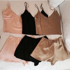 Imagen de black, pink, and outfit