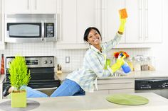 Natural Spring Cleaning As the warmer temperatures of spring thaw out the winter blues, it's time to de-clutter your life and give your home and mind a fresh start. Here are a few tips to help you tackle your spring cleaning:. Cleaning Wood, House Cleaning Tips, Deep Cleaning, Spring Cleaning, Kitchen Cleaning, Cleaning Checklist, Cleaning Hacks, Cleaning Agent, Cleaning Granite Countertops