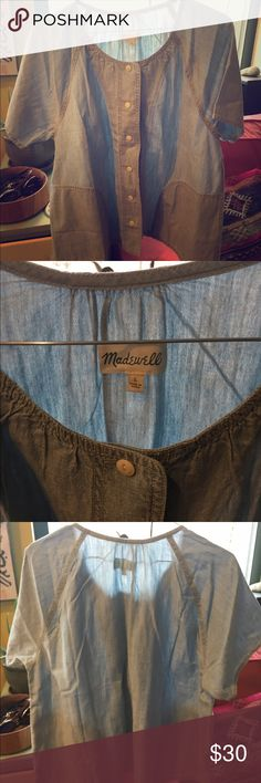 Madewell airy chambray button-up with pockets! This short-sleeve button-up was inspired by vintage Japanese workwear and has pockets. Boxy in shape, the chambray works as a top or a light jacket for transitional layering options! NWOT from madewell Madewell Tops Button Down Shirts