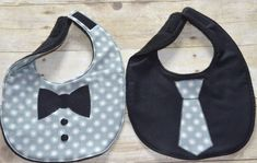 bibs for baby Grey Dots Two Piece Bib Set One Tie Bib and One by Baby Sewing Projects, Sewing For Kids, Welcome New Baby, Baby Bibs Patterns, Diy Bebe, Bib Pattern, Crochet Collar, Baby Crafts, Cool Suits