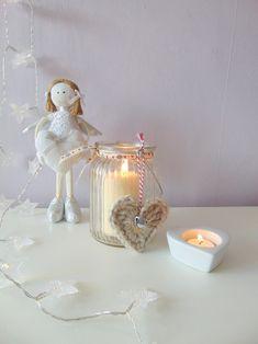 Easy crochet alpaca hears decoration with a little jingle bell.