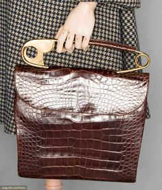 Koret alligator bag with huge safety pin handle Vintage Bags, Vintage Shoes, Clothing And Textile, Cloth Bags, Leather Cover, Beautiful Bags, Purses And Bags, Fashion Accessories, Coin Purse