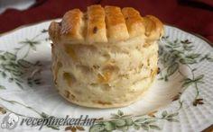 Káposztás hajtogatott pogácsa recept fotóval Hungarian Recipes, Hungarian Food, Apple Pie, Cabbage, Food And Drink, Pudding, Desserts, Tailgate Desserts, Apple Cobbler