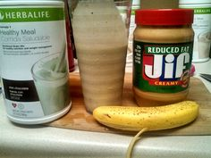 Breakfast is served 2 scoops Herbalife mint chocolate chip (90 calories - 9g protien) 2 tbls low fat fifty peanut butter (190 calories - 7g protein) 1 banana (100 calories - 1g protein) 1 cup of ice. 380 calories & 17g protein #Herbalife #HealthyLiving