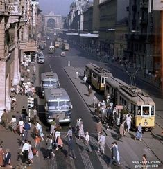 Old Pictures, Old Photos, Anno Domini, Most Beautiful Cities, Train Tracks, Budapest Hungary, Vintage Photography, Historical Photos, Street View