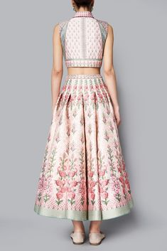 Shop from an exclusive range of luxurious wedding dresses & bridal wear by Anita Dongre. Bring home hand-embroidered wedding wear in colors inspired by nature. Indian Gowns Dresses, Indian Fashion Dresses, Dress Indian Style, Indian Designer Outfits, Designer Dresses, Stylish Blouse Design, Stylish Dress Designs, Stylish Dresses, Saree Blouse Neck Designs