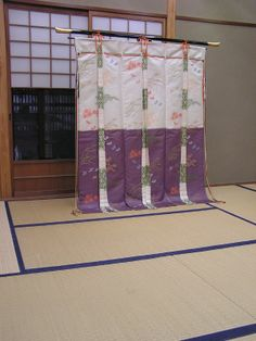 Another example of a kicho/kichou or Heian screen of state. The fabric, motifs and colours would be changed in accordance with the season and special occasions such as a death or birth, were an indicator of ones taste.