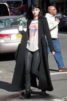 "Krysten Ritter Photos Photos: Krysten Ritter Films ""Don't Trust the B---- in Apartment Jessica Jones, Rocker Style, Rocker Chic, Dark Fashion, Grunge Fashion, Looks Style, Style Me, Krysten Alyce Ritter, Estilo Rock"