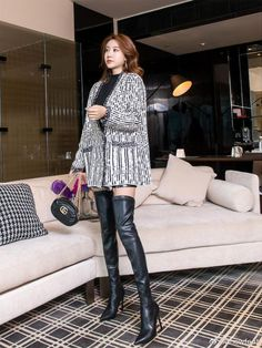 Sexy Boots, Black Boots, Winter Boots Outfits, High Leather Boots, Asia Girl, Thigh High Boots, Knee Boots, Beautiful Asian Women, Sexy Asian Girls