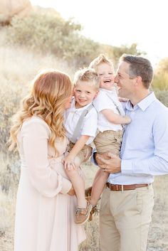 Family Maternity Photos, Outdoor Family Photos, Family Pictures, Maternity Pictures, Mother Daughter Poses, Mother And Child, Children Photography Poses, Pregnancy Photography, Lifestyle Photography