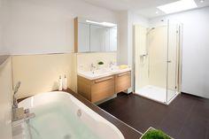#Artweger wandpaneel ARTWALL: in een handomdraai een nieuwe #badkamer.  www.wonen.nl/badkamer/vloer-wand/nieuws/artweger-wandpaneel-artwall
