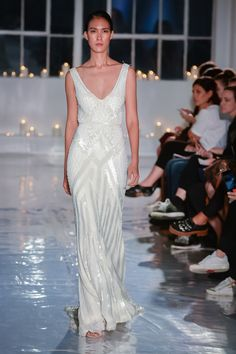 Karen Willis Holmes 2017 - on the runway at One Fine Day in New York. Wedding Theme Inspiration, Wedding Ideas, Karen Willis Holmes, Great Gatsby Wedding, One Fine Day, Formal Dresses, Wedding Dresses, Bride Dresses, Yes To The Dress