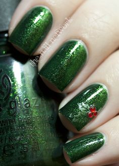 pretty christmas mani...also, fantastic color for final five, but i bet it's seasonal and i won't be able to find it :(