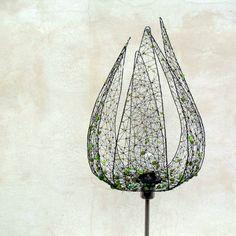 Zelené poupě. Stojací lampa. House Design, Architecture Design, House Plans, Home Design, Design Homes