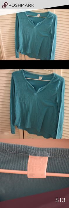 Long sleeve blue sleep shirt Such a soft material. Lightweight to be able to sleep in. Runs a little big, as it is for PJs. Tops Tees - Long Sleeve