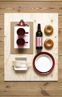 Iittala Christmas Home. Things Organized Neatly, Still Life Photos, Food Design, Design Table, Coffee Set, Photoshop Elements, Scandinavian Style, Christmas Home, Food Art