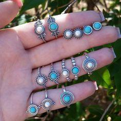Evelise Polo Jóias  Pra já começar tendo um mini infarto... Pandoras!  😨😲💙 👉 Anéis Dedo Indicador 3x 18,90 (cada) 👉 . 4f1c5d9848