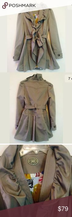 """Idra Anthropologie trench coat size 2 taupe Idra Anthropologie trench coat Size 2 Taupe color Bust is 34"""" Length is 29"""" Sleeve length is 24"""" Lined with animal print  No stains, holes or odors  In very good condition Anthropologie Jackets & Coats"""