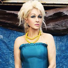 Danger Girl, Goth Model, Annie Lennox, Cyndi Lauper, Female Singers, Vintage Hollywood, Madonna, Photoshoot, Actresses