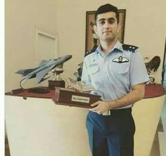 Pak army... Pak Army Soldiers, Pakistan Armed Forces, Best Army, Pakistan Army, Real Hero, One Pilots, Couple Pictures, Random Things, Air Force