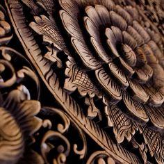 Некоторые изделия с резьбой по дереву даже имеют художественную ценность
