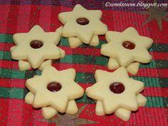 Linecké pečivo s citrónom Gingerbread Cookies, Christmas Cookies, My Recipes, Rum, Cake, Desserts, Food, Gingerbread Cupcakes, Xmas Cookies