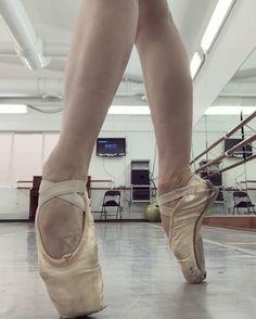 20.7 тис. вподобань, 103 коментарів – Ballet Is A WorldWide Language (@worldwideballet) в Instagram: «Stunning @gretaelizondo   #gretaelizondo #worldwideballet ✨»
