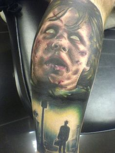 One of the growing subjects for tattoo designs is horror movies. Horror movie fans are often very enthusiastic about their favorite scary movies. Many tattoo enthusiasts are horror movie fans and get their favorite characters or scenes… Creepy Tattoos, Tattoos Skull, Badass Tattoos, Love Tattoos, Beautiful Tattoos, Body Art Tattoos, Evil Tattoos, Amazing Tattoos, Beautiful Body
