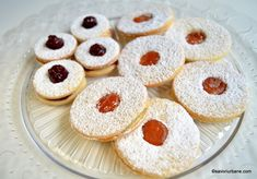 Linzer Cookies, Non Plus Ultra, Romanian Food, Sweet Cakes, Something Sweet, Best Coffee, Cookie Recipes, Unt, Biscuits