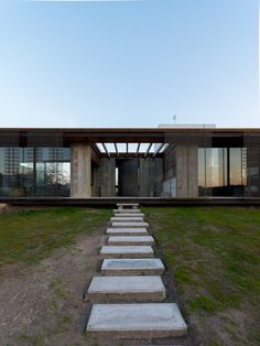 Gallery of LS House / Gastón Sironi - 23