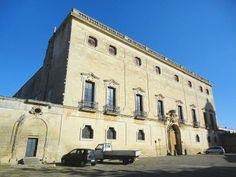 Palazzo Granafei a Sternatìa (provincia di Lecce), è la residenza baronale dell'omonima famiglia che ebbe in feudo Sternatia dal 1733. La sua costruzione è attribuita all'architetto leccese Mauro Manieri prima del 1743 e fu realizzato seguendo lo stile del barocco salentino.
