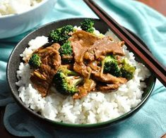 Real Chinese Beef & Broccoli, but made in a slow cooker! Super convenient, this Slow Cooker Beef and Broccoli transforms budget cuts of beef and you can make it freezer friendly! Slow Cooker Beef Broccoli, Broccoli Beef, Broccoli Recipes, Veggie Recipes, Slow Cooker Recipes, Crockpot Recipes, Cooking Recipes, Thm Recipes, Cooking Ideas