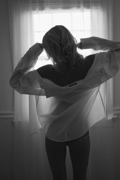 black & white boudoir posing, boudoir photography, white shirt boudoir, bedhead boudoir photography