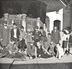 Kadırga Sokollu Camii Avlusu nda Çocuklar