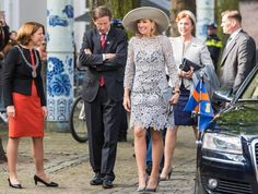 ♥•✿•QueenMaxima•✿•♥...On April 7, 2017, Queen Maxima attend the opening of the exhibition 'Forbidden Porcelain Exclusive for the emperor' at Prinsenhof museum in Delft, The Netherlands. The exhibition shows Chinese porcelain from the Ming Dynasty (1368-1644) that was created exclusively for the Chinese emperors.