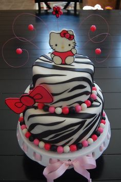 Hello Kitty Zebra Great Background for middle or top tear Hello Kitty Fondant, Hello Kitty Cake Design, Hello Kitty Theme Party, Hello Kitty Birthday Cake, Hello Kitty Themes, Kitty Party, Sanrio Hello Kitty, Cupcakes, Pastries
