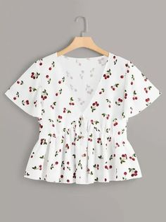 To find out about the Plus Cherry Print Ruffle Hem Blouse at SHEIN, part of our latest Plus Size Blouses ready to shop online today! Crop Top Outfits, Trendy Outfits, Cute Outfits, Fashion Outfits, Plus Size Blouses, Plus Size Tops, Plus Size Summer Dresses, Moda Plus Size, Peplum Blouse
