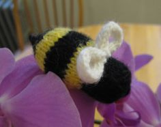 ChemKnits: Bzzzzzzz: A Knit Bumble Bee!